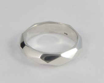 FACET Sterling silver ring. This chunky ring is cool for men and women.