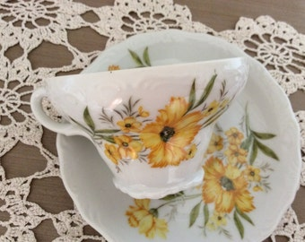 Vintage Yellow Daisy Tea Cup and Saucer  E-5123 Black Eyed Susan