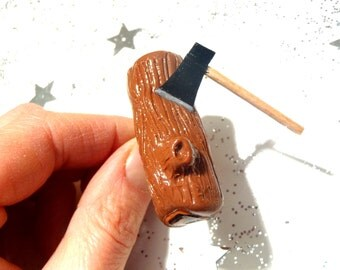Ring THE LOG -- Miniature wood log with mini ax, adjustable by The Sausage