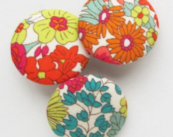 Liberty of London Floral Fabric Covered Buttons 1 Inch   3 Medium Shank Back 26mm Buttons