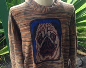 Organic cotton sweatshirt with knit pug dog application, super soft cotton sweatshirt, one size/one size sweat with cotton knit pug patch