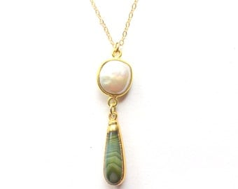 Green Agate White Coin Pearl Necklace, Gold Fill Gemstone Pendant, Agate and Pearl,  Modern Teardrop Necklace, Green and Gold, Gift for Her