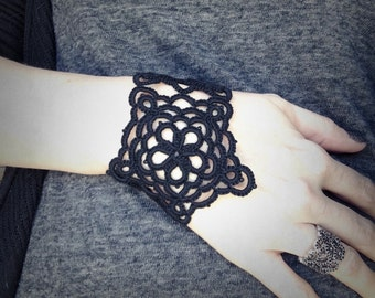 Tatted Lace Cuff Bracelet - Black Star