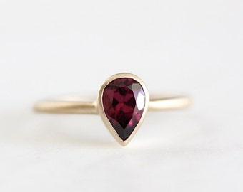14k gold rhodolite garnet ring, alternative engagement ring, garnet ring, eco friendly