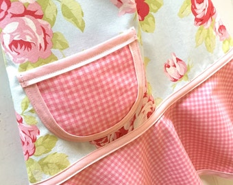 Apron, Girls Apron, Kids Apron, Little Girls Apron, Child's Apron, Toddler Apron  -  SHABBY CHIC FLORAL