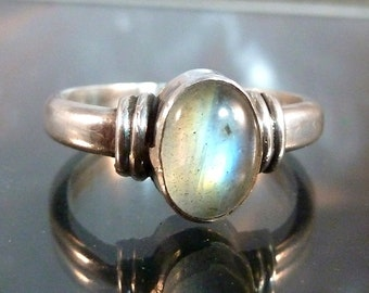Labradorite Ring Sterling Silver oval cab size 7 art deco styling atomic