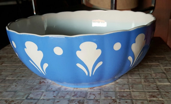 items similar to blue and white villeroy and boch dresden saxony decorative bowl secessionist on. Black Bedroom Furniture Sets. Home Design Ideas