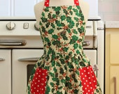 Vintage Inspired Christmas Apron for Little Girls - Xmas Hollies