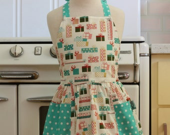 Vintage Inspired Christmas Presents on Ivory Full Apron for Little Girls