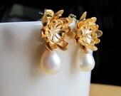Golden Dahlia Pearl Earrings