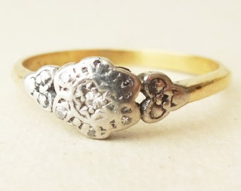 Art Deco Diamond Flower Ring, 18k Gold Diamond Engagement Ring Approx. Size US 6.75 / 7