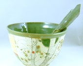 Large ServIng Bowl in green  - Kitchen home decor - family size salad dish - colorful dinnerware colors - owl design