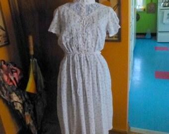 Vintage 70s Sweet Romantic Floral Picnic Day Dress M L