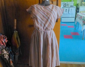 Vintage 50s Delicate Striped Bombshell Pin Up Girl Dress