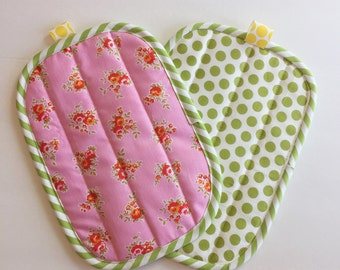 Dots and flowers pink and green hot pads