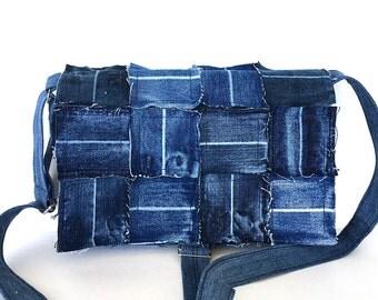 Denim messenger bag , recycled jean crossbody purse ,blue funky messenge bag ,teens bag,  travel bag , upcycled cross over bag , vegan purse