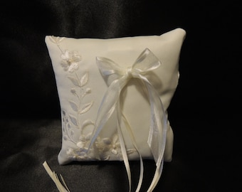 Small  Dog Collar Ring Bearer Embrodied  Pillow