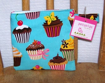 Reusable Little Snack Bag - pouch adults kids cupcakes eco friendly by PETUNIAS