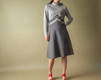 ghost in the shell turtleneck a line dress / vintage MOD dress / scooter dress / s / 1355d