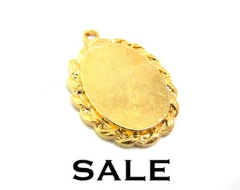 Vintage Gold Plated Engraving Decorative Oval Charms (4X) (V196) SALE - 25% off