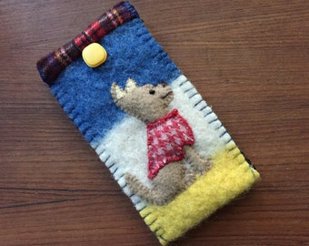 Chihuahua Dog Eyeglass / Sunglasses Case, Vintage Wool