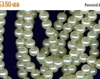 CLEARANCE 4mm Creamy Beige Glass Pearl Round Beads