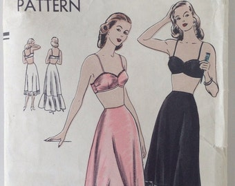 Vintage 40s Sewing Pattern Petticoat and Bra Vogue 6161 32 Bust 35 Hip Unused Uncut Lingerie WW2 Era Slip Flounce