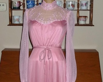 Sale Mauve Gown,70s Victorian High Neck Lace ,great condition, gauntlet sleeves size Small - XS