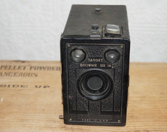 Antique Target Brownie six 16 camera