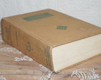 The New garden encyclopedia    Wise & Co   Copyright  1941