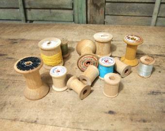 Free Shipping Nice lot of vintage wood thread spools