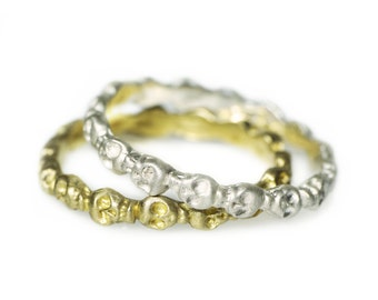 Mini Skull Eternity Band Ring in Brass for Alternative wedding Band