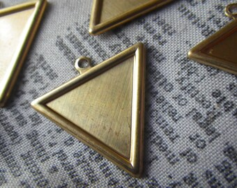 Brass Triangle 23mm Charm Pendants with 20mm Settings 6 Pcs