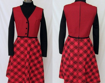 Adorable 1960s-70s dress in excellent condition!