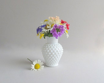 Vintage Milk Glass Hobnail Vase, Hobnail Flower Vase, Wedding Vase, Milk Glass Hobnail White Vase