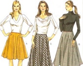 Chic Fall skirt Autumn Fall fashion Very easy Vogue 8749 sewing pattern Modern Contemporary style UNCUT Sz 16 to 22