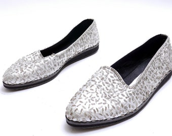 Vintage 90s Metallic Silver Beads Shoes// Flat Closed Toe Women's Shoes// 8 size