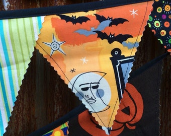 Halloween banner- large pennants, 13 ft.