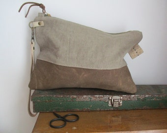 Linen and Waxed canvas Wristlet Clutch Zipper Bag makeup pouch catchall toiletry storage bag Boho Modern Mom cosmetic case diaper