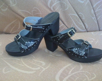 FINAL SALE clog- Black leather sandal with rosmaling painting