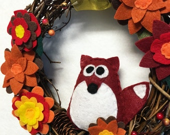 Fox Wreath, Autumn Wreath, Fall Door hanger, Woodland Fox, Autumn Bloom, Hostess Gift, Housewarming, Gifts under 50