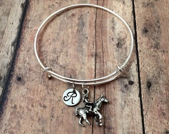 Horse rider initial bangle - horse jewelry, gift for horse lover, equestrian jewelry, horse riding jewelry, rodeo jewelry, horse bracelet