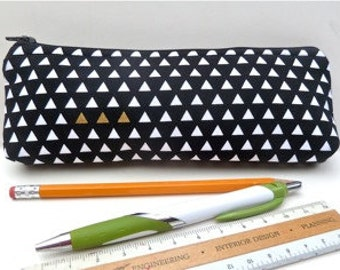 Makeup Pouch - Brush Bag - Zipper Pouch -Slim - Eco Friendly - Triangle - Black and White - Cosmetic Bag - Gifts Under 15