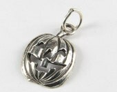 ON SALE Halloween Jack O Lantern Pumpkin Sterling Silver Charm Stamped 925 with open jump ring (1 piece)