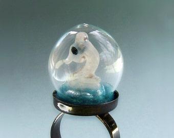 White Seahorse Water Terrarium Glass Globe Ring