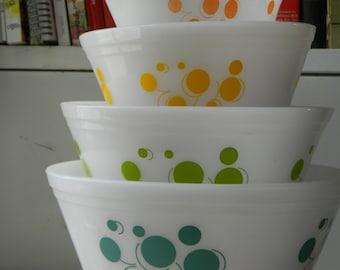 Federal glass atomic dots nesting bowl set