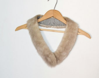 Art deco sapphire mink scarf Vintage mink  fur scarflette  Huge celluloid clasp for closure Grey mink fur collar scarf skinny fur scarf