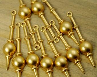 Pendulum Charms - 12 pcs - Yellow Brass - Clock Parts - Steampunk - Patina Queen - Raw By the Dozen