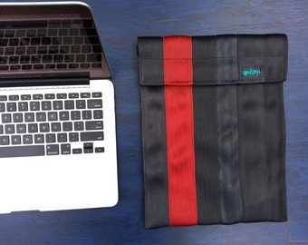 Apple Notebook Sleeve - Recycled Seatbelts