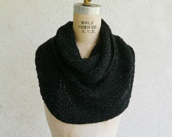 thick cashmere twisted cowl